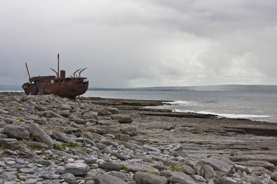 wreck in Inisheer (Arran Islands)