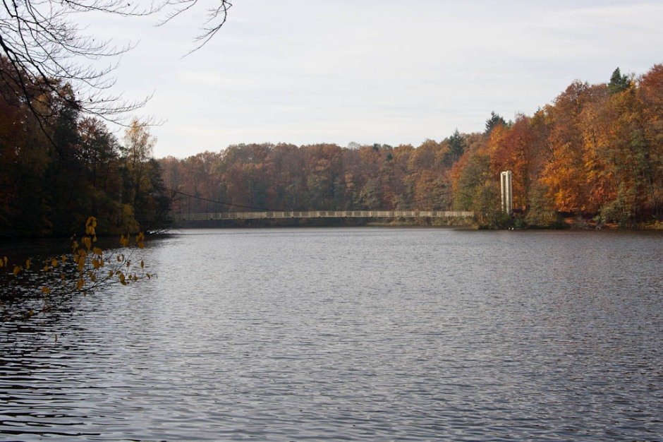 Wałcz - Lake Raduń in autumn, suspended bridge over the lake