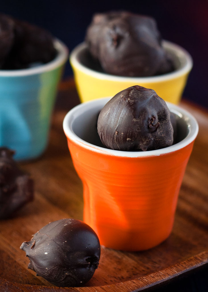 prunes in chocolate