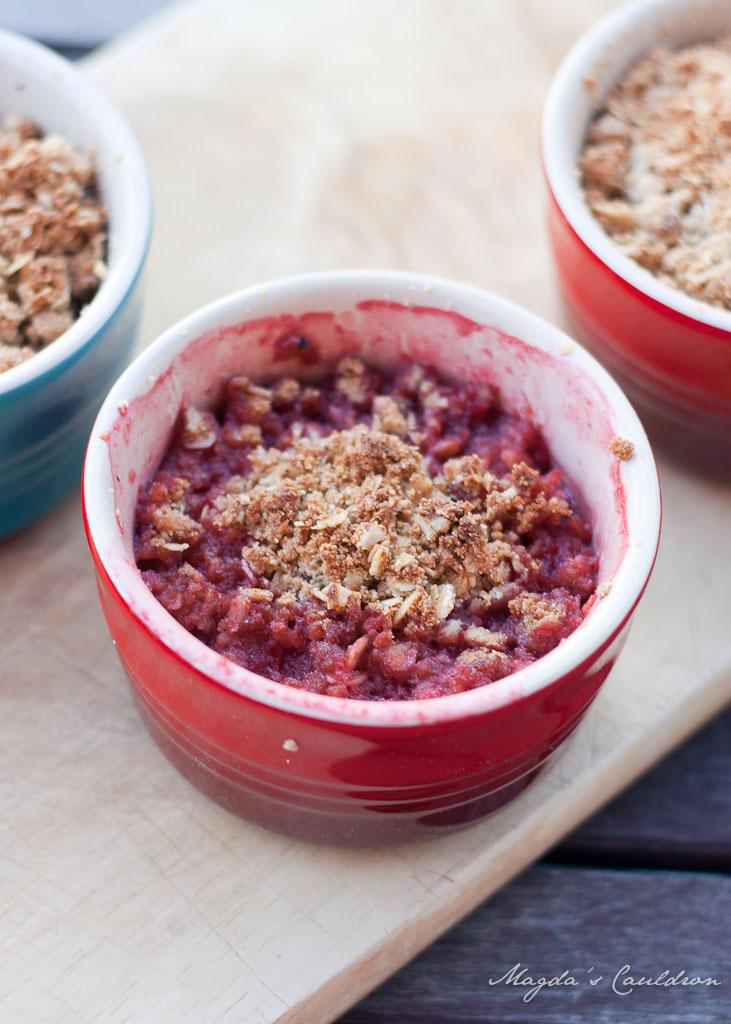 Maple butter strawberry crumble