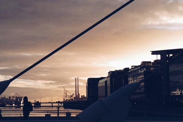 dublin - sunrise over Samuel Beckett Bridge