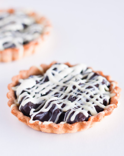 Mazurek - Easter tart with chocolate and prunes