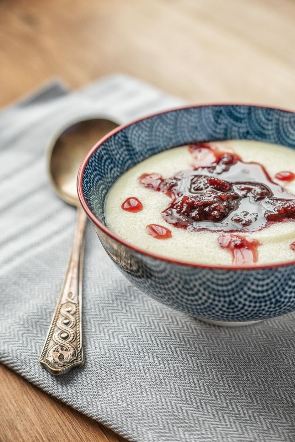 kasza manna na mleku / semolina pudding